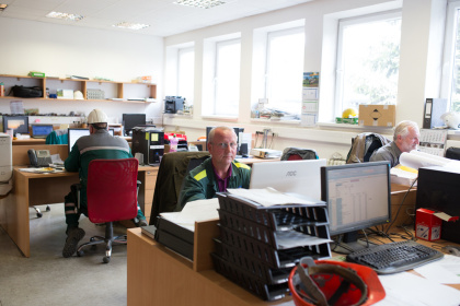 OFZ offices next to production hall